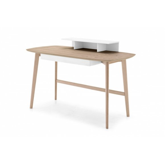 Match Desk: Scandinavian-Design Desk