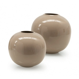 Holly: Ceramic Spherical Vase
